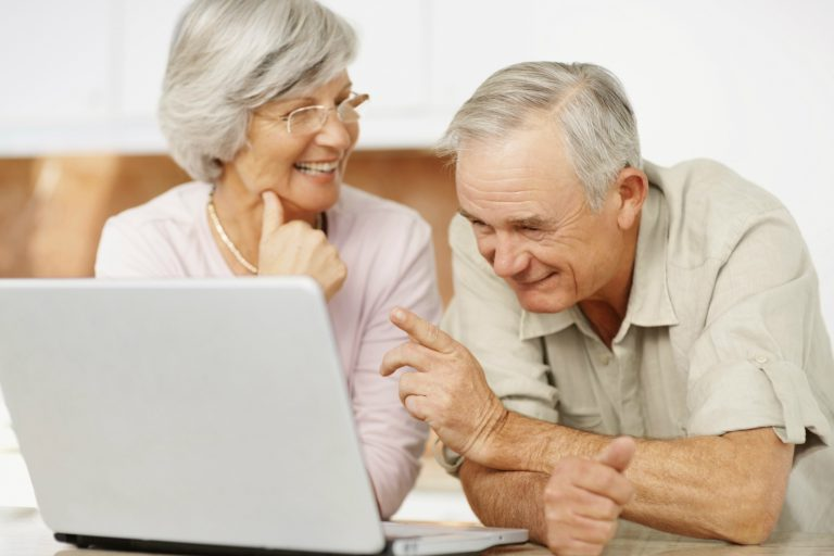 Teaching the Elderly to use Computers and the Internet
