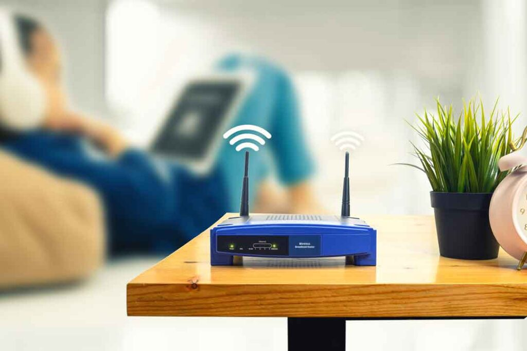 WiFi-Signal-Extension-and-Powerline-Adapters_01
